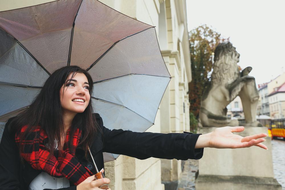 5 Cara Mudah dan Praktis Untuk Merawat Payung Kesayangan Anda