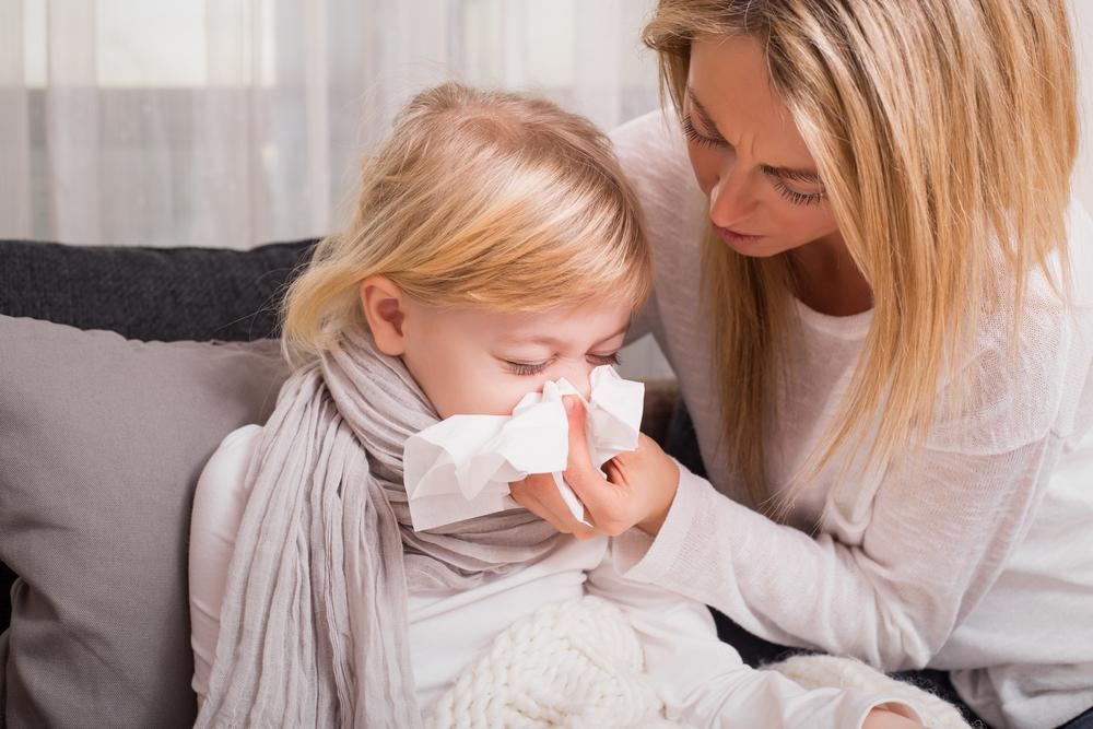 Gejala Difteri Pada Anak Yang Kedua Adalah Hidung yang mengeluarkan lendir