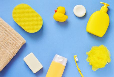 Kelebihan Memandikan si Kecil dengan Sabun Bayi Khusus