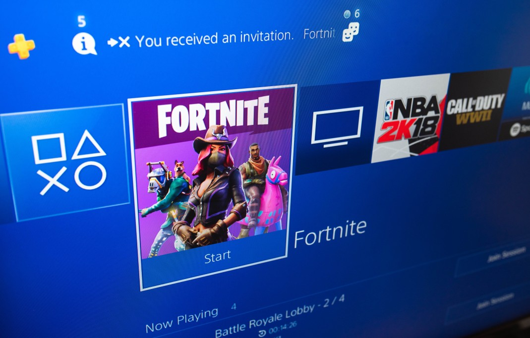 fortnite-battle-royale-start-game-screen-from-the-playstation-4-home-page_t20_6lgzYL